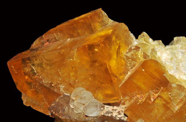 Raw Fluoride(Fluorite Calcite) Crystal